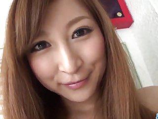 布鲁内特Risa Shimizu惊人的性爱机智更多在69avs com