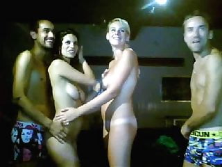 Swingers Dogging video: Amazig amateur foursome swinger swapping