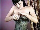 STRIP TEESE - retro glamour beauty striptease