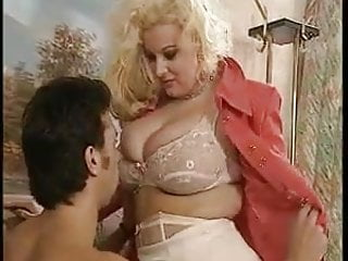Hardcore Bbw Blonde video: Sexy busty Blondine