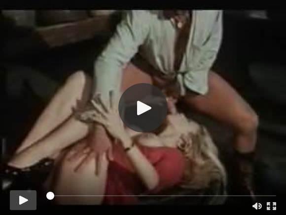 Moana Pozzi and Gabriel Pontello in Fantastica Moana (1987)