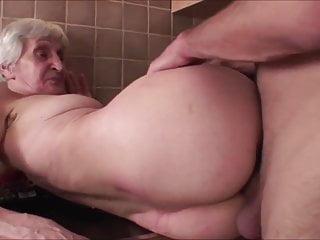 Milf Granny Cowgirl video: VIVIANA