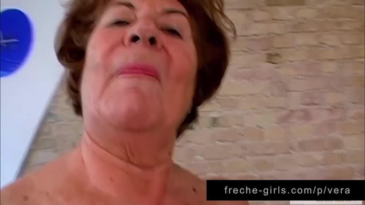Дамы в чулках порно ролики