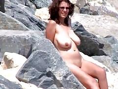 Nude Beach - Big Naturals - posiert für BF - Voyeur Films