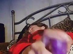 Schmutzige Schlampe mit Dildo