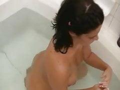 Babe Films stessa nuda in bagno