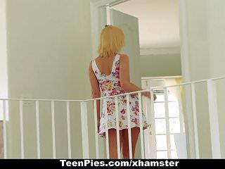 青少年 - 豐滿的青少年由bff creampied