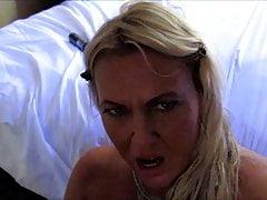 Hot Babe dostaje masywne cum twarzy