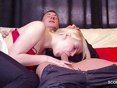 Deutsch Teen in Real Porn Casting weil Geld brauchen