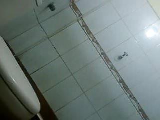 Voyeur Showers video: Sobrina espiada