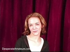 Tatiana Kush und andere Erstbesucher saugen Hahn für Geld