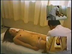 Fotocamera nascosta nella camera della sala massaggi 07