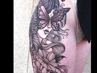 Kissing Bisexual Mom video: My Tattoo Artist