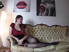 FemDom Sklave Domina Mistress Dea BDSM POV JOI Nylon