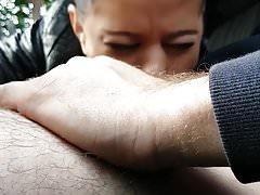 Blowjob im Auto mit Sperma im Mund - ein anderes Zigeunermädchen