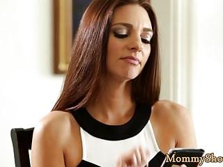 Big Boobs Hd Videos Mommys Girl vid: Lesbo babe pleasuring her stepmommy