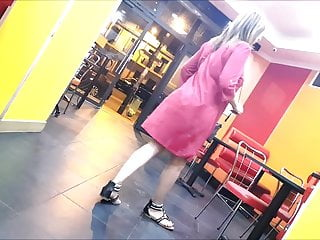 Beurette robe rose (slowmo)