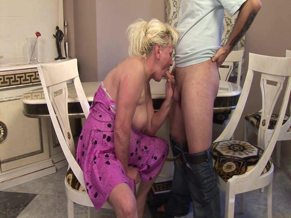 Во время секса появляются коричневые выделения