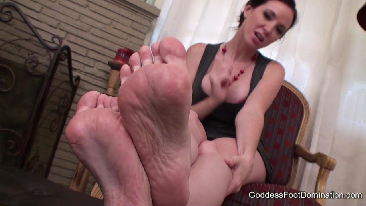 Mistress Feet Long Toenails