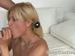 Casting Saucy Blonde Amateure nimmt Gesicht in Casting