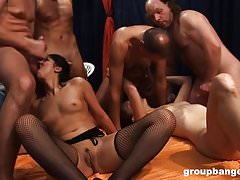 Gangbang barely legal di GroupBanged.com