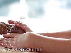 FantasyHD - Gorąca blondynka Alexis Adams masuje kutasa