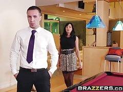 Brazzers - velké prsa v práci - Lezley Zen a Keiran Lee - E