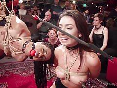 Folsom Orgie wird von Squirting Nympho Slave Slut getränkt