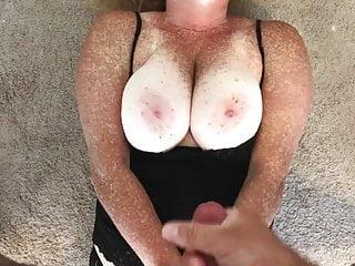 Tits Redhead Cumshot video: Cumshot on freckled boobs