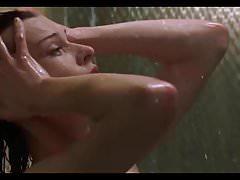Milla Jovovich - Scene di sesso topless esplicite, lesbiche
