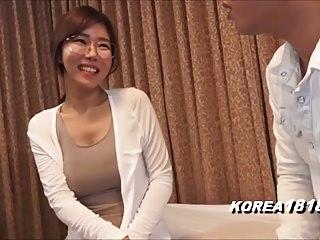 日本色情的韩国眼镜女孩