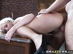 Brazzers - Les stars du porno aiment ça - Phoenix Marie Manuel Ferr