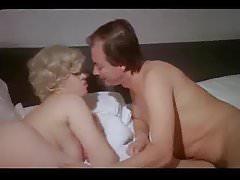 Mezi píšťalkami prochází hra (1986)