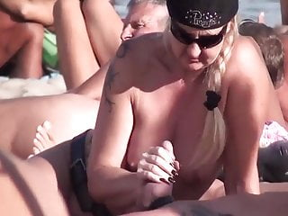 Blowjobs Amateur video: when nudists get horny