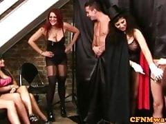 CFNM femdom kouzelník dává hj show