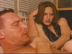 Manželka miluje, aby sledovala svého manžela