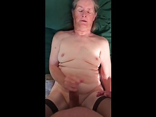 Handjobs Grannies Homemade video: Grandma wants it inside