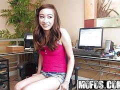 Arial Rose - Teen Rides il suo fidanzato al lavoro - Mofos