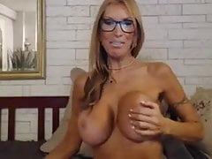 Milf Nikki Bender