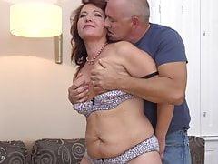 Szczęśliwy seks rodzinny z mamą i tatusiem