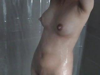 懷孕後充血母乳喂養的妻子洗澡