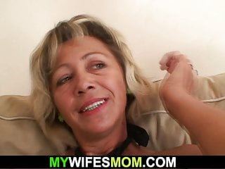 Czech Blowjob Mature video: He cheating with hot girlfriends mom on the couch