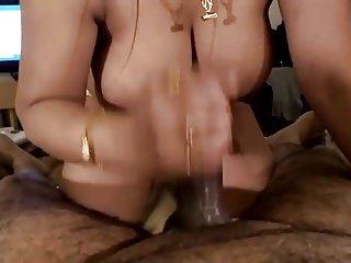 porno zadarmo - Desi guy getting bj by a classy call girl.