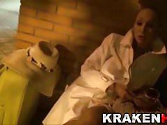 Daniela evans in un video di sottomissione BDSM per Krakenhot