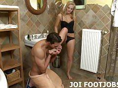 Non vedo l'ora di masturbarti con i miei piedi JOI