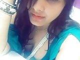 indian teen flashing her deep cleavage