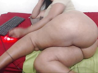 Fingering Black Blowjob video: hottjuicyb00ty now her name is h0ly b00ty