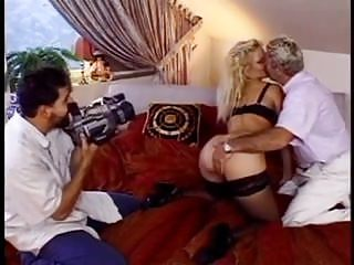 German Blondes Big Boobs video: Die Sex-Therapie