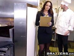 Brazzers - Tetas grandes en el trabajo - Ava Addams Xander Corvus - The