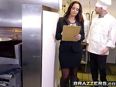 Brazílci - velké prsa v práci - Ava Addams Xander Corvus - The